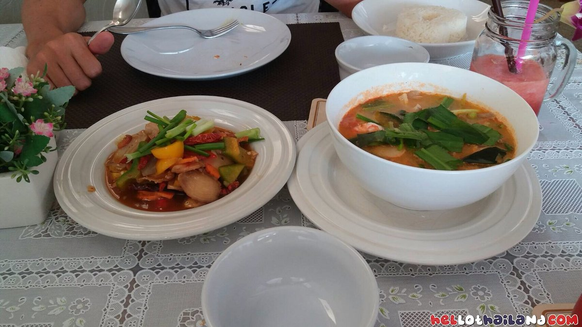 Amazing Fresh and flavorful dishes at Baan Noy
